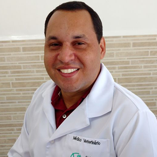 Dr. Marcelo Laurindo